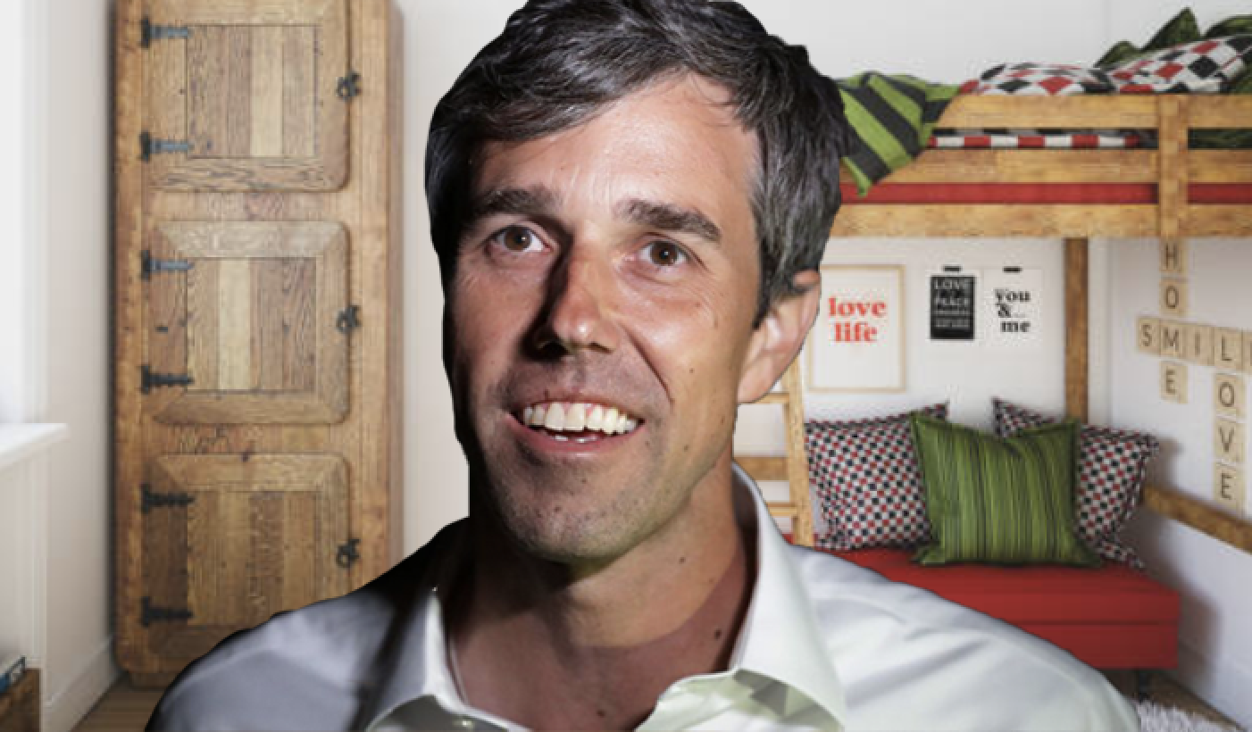 Monologue: Hey, I'm Beto, Your Dorm Resident Advisor